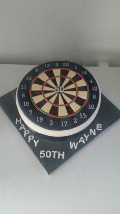Лепка из мастики 50th Birthday Cakes For Men, Small Birthday Cakes, 50th Cake, 50th Birthday Party, Dartboard Cake, Frosting Techniques, Sport Cakes, Ice Cake, Dart Board