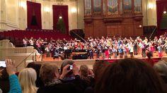 125 violisten spelen Sjostakovitsj Prelude  Wat een prachtige ervaring was dit voor mijn dochter