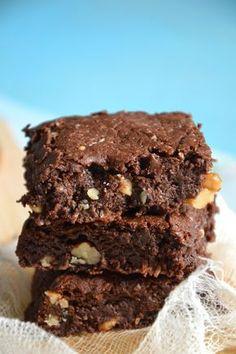 Brownies ultra-gourmands chocolat, noix de coco & noix { Sans lactose & sans gluten } http://www.lesrecettesdejuliette.fr