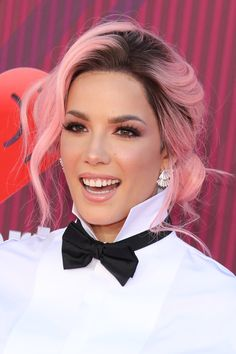 Whether she's bad at love is debatable, but Halsey is indisputably the queen of hair transformations, from platinum buzz cuts to her new cotton candy pink Blue And Pink Hair, Baby Pink Hair, Pastel Pink Hair, Rose Gold Hair, Girl With Pink Hair, White Hair, Bob Lace Front Wigs, Hair Transformation, Trendy Hairstyles