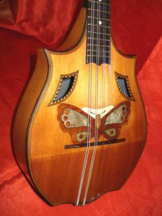 gorgeous antique mandolin ~ I would dearly love to have this in my collection! I would pick this daily :)))
