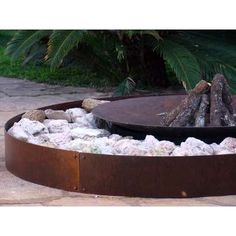 Super backyard fireplace tuin Ideas - MY World Backyard Fireplace, Backyard House, Backyard Garden Design, Fire Pit Backyard, Outdoor Fire, Outdoor Living, Parrilla Exterior, Modern Fire Pit, Fire Pit Seating