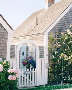 Oh Aubrey, I can see you in this little cottage! Shabby Chic Beach Cottage on Casey Key, Florida Nantucket Style Homes, Nantucket Cottage, Coastal Cottage, Coastal Homes, Coastal Style, Cottage Style, Nantucket Island, Modern Coastal, Coastal Living