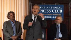 Robert De Niro y Robert F. Kennedy Jr. han anunciado en una conferencia de prensa que ofrecen un...