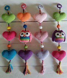 Love Crochet, Knit Crochet, Crochet Designs, Crochet Patterns, Mobiles, Heart Keyring, Crochet Fashion, Crochet Crafts, Baby Patterns