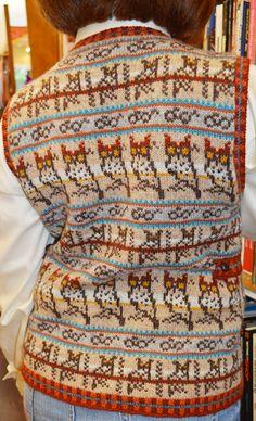 Great horn-rimmed Vest : Knitty.com - Deep Fall 2014