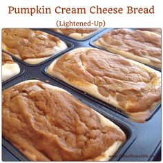 Pumpkin Cream Cheese Bread Yields 8 A lightened up Pumpkin Cream Cheese bread that everyone will love! Prep Time 20 min Cook Time 25 min Total Time 1 hr Pumpkin Bread 2 cups canned pumpkin 3 eggs . Köstliche Desserts, Delicious Desserts, Dessert Recipes, Yummy Food, Yummy Treats, Awesome Desserts, Healthy Desserts, Healthy Foods, Healthy Recipes