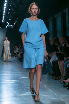 Chic and eady from the Bottega Veneta Spring 2015 RTW collection.