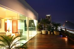 30 Stunning Penthouse Homes from Around the World