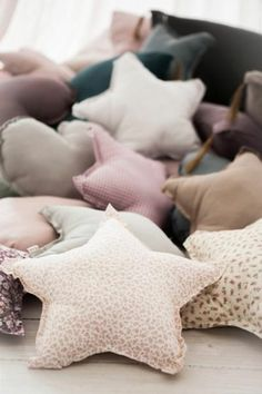 kuschelkissen design sterne schöne dekokideen