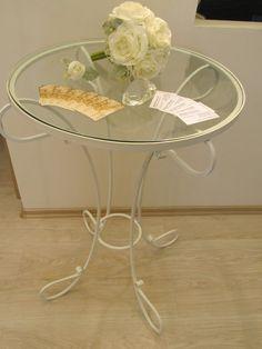 Wedding iron-glass table
