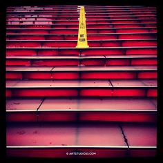#miksang #mindfulness https://www.flickr.com/photos/melaniephotoart/sets/ … (+ Instagram 'mery71') foto: #timessquare #NewYork #nyc #america red stairs #wetfloor pic.twitter.com/52keVuiAMm