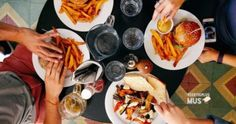 3 reasons to incorporate 'cheat meals' into a diet for healthy lifestyle Road Trip Essen, Restaurant Hamburg, Chicago Restaurants Best, Lunch Recipes, Healthy Recipes, Healthy Snacks, Road Trip Food, Cheat Meal, Fodmap Diet