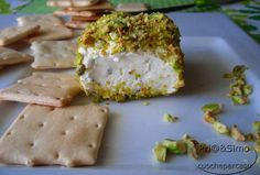 had a pistachio cheese roll today from Stamper Cheese. I ate it with almonds. Was soooo yummy..... i'm still drooling even though it's gone.