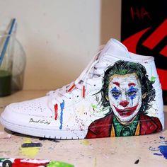 Custom Nike in Joker Tenis Nike Air, Nike Air Shoes, Nike Af1, Custom Painted Shoes, Custom Shoes, Sneaker Diy, Moda Sneakers, Painted Sneakers, Joker Art