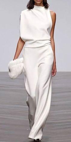 New Clothes - Elegant Jumpsuit White Fashion, Look Fashion, Fashion Show, Womens Fashion, Fashion Trends, Fashion Ideas, Cheap Fashion, Fashion Spring, 70s Fashion