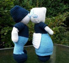 Kussend Paar in Hollandse klederdracht - Petra's Hobby site