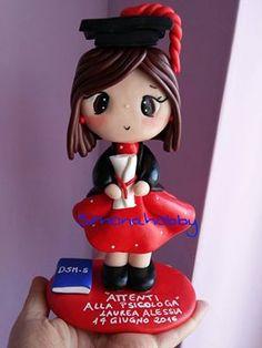 cake topper laurea fimo https://www.facebook.com/Simonahobby-creazioni-fimo-e-non-solo-303780326362418/