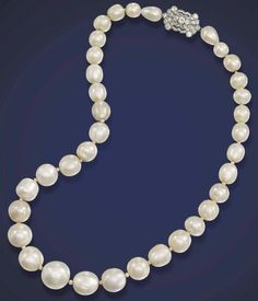 Lot 383 -  AN IMPORTANT NATURAL PEARL NECKLACE  Estimate: 794,000 – 1,270,400 dollars