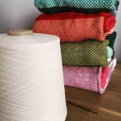Couvertures tissées LÆN Toilet Paper, Weaving, Wool, Fabric, Handmade, Fabrics, Home, Tejido, Craft