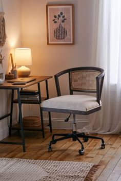 Apartment Furniture, New Furniture, Living Room Chairs, Living Room Furniture, Desk Chairs, Office Chairs, Lounge Chairs, Seattle Homes, Adjustable Desk