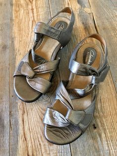 36f365818292 CLARKS Sandals Artisan Womens Size 6 M Metallic Gray Leather  fashion   clothing  shoes  accessories  womensshoes  sandals (ebay link)