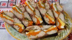 """""""Macroul în stil regal"""" este o gustare rafinată, care are un gust inegalabil și arată senzațional. Rulada de macrou se prepară foarte simplu și este umplută cu morcovi, ouă și castraveți marinați, care îi oferă o savoare aparte. Această gustare va decora masa festivă și va cuceri chiar și cel mai exigent gurmand prin gustul delicat și aroma irezistibilă. INGREDIENTE -1 macrou -2 ouă fierte -2 morcovi fierți -2 castraveți marinați (sau murați) -25 g de gelatină -condimente pentru pește -sare…"""