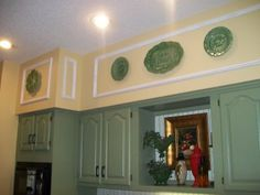 Good way to dress up those awful 70s kitchen soffits--moulding!