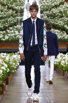Dior Homme Menswear Spring Summer 2016 Paris - NOWFASHION