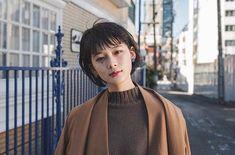 ショートヘアカタログ -素敵なヘアスタイルをRepostでご紹介させて頂いてます写真はご本人様に掲載許諾をとっております- @yuhei.chiba さんありがとうございました 2018.2月OPEN LALAは厳選した美容師だけを掲載するヘアカタログメディアです 技術センスサービスにこだわるプロフェッショナルが毎日のサロンワークでお客様に提案するリアルなヘアスタイルを掲載しています あなたの魅力を引き出す運命の美容師をみつけてください サイトはプロフィールのリンクからご覧ください 掲載をお考えのサロン様スタイリスト様へLALAサイト内一番下にある掲載をお考えの方へからお問い合わせください インスタ内でヘアスタイルの紹介をご希望される方へ @lala__hair#lala__hairをフォロー&タグ付けください厳選して紹介させて頂きます #ショート#ショートヘア #ショートヘアー #ショートカット #ショートボブ #ボブ #アッシュ #ヘアカタログ #ヘアスタイル #パーマ #前下がりショート #暗髪 #髪型 #美容室#发型 #髮型 #空氣感 #髮型屋 #髮型設計#護髮 #染髮… Hair Reference, Just Girl Things, Aesthetic Girl, Pixie Haircut, Curled Hairstyles, Hair Dos, Hair Inspo, Makeup Looks, Short Hair Styles