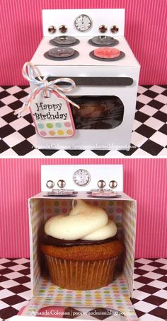 Cupcake Oven: Such unique packaging! Create these cute oven boxes, and stuff cupcakes in them. Source: Popper and Mimi AWWWW Cupcake Oven: Such unique packaging! Create these cute oven boxes, and stuff cupcakes in them. Source: Popper and Mimi AWWWW! Cool Diy, Cute Crafts, Diy And Crafts, Cute Diys, Kids Crafts, Epiphany Crafts, Diy Stockings, Cupcake Gift, Cupcake Boxes