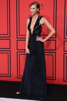 Karlie Kloss in Cushnie et Ochs On the Red Carpet at the CFDA Awards [Photo by Evan Falk]