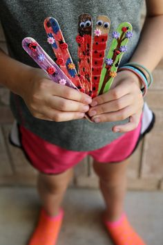 Kids love projects they can do themselves - these popsicle stick bookmarks are perfect for kids of all ages