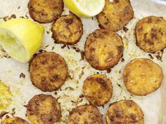 Vegan und lecker: Scharfe Süßkartoffeln vom Blech - mit Curry und Kreuzkümmel | Kalorien: 225 Kcal - Zeit: 20 Min. | eatsmarter.de