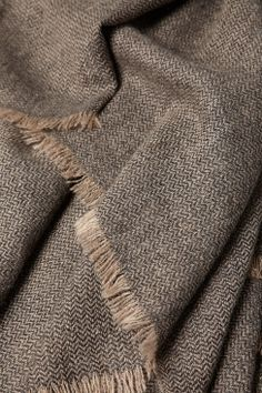 Saan Cashmere Throw in Charcoal and Taupe