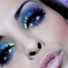 ♥ Beautiful blue & purple eyeshadow