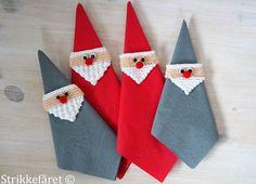 Strikkefåret: Strikkede og hæklede jule servietringe Crochet Santa, Holiday Crochet, Christmas Knitting, All Things Christmas, Christmas Holidays, Christmas Crafts, Xmas, Christmas Ornaments, Christmas Napkin Rings