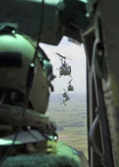 Bell Helicopter UH-1H Iroquois (Huey) air assault