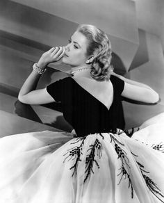 Grace Kelley  1953  LOVE this dress