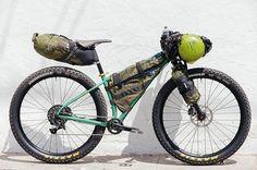 gots all da toys. Cross Country Mountain Bike, Mountain Bike Tour, Mountain Biking, Fat Bike, Touring Bike, Bike Design, Road Bikes, Bike Packing, Viajes