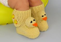 FREE Baby Chick Boots (Booties) via Craftsy