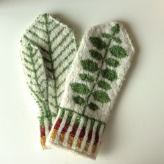 Knitting Patterns Mittens Ravelry: Ingridheim City& Bersåvott to Marit Mittens Pattern, Knit Mittens, Knitted Gloves, Knitting Socks, Knitting Projects, Knitting Patterns, Knit Crochet, Crochet Hats, Fair Isle Knitting