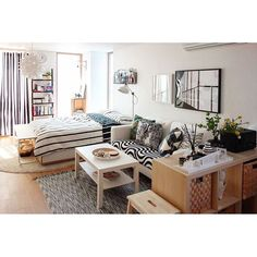 인테리어 디자이너가 사는 집~! 시공에서부터 홈스타일링까지 모두 셀프로 꾸민 공간입니다^^ . 르꼬르뷔제잉님의 센스만점 셀프 인테리어! . [제품정보] 천장 조명 #노만코펜하겐 침대 ...