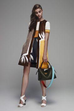 Fendi Resort 2016 Fashion Show - Taylor Hill– Runway Fashion, Fashion Models, High Fashion, Fashion Show, Fashion Outfits, Womens Fashion, Fashion Trends, Fendi, Style Work