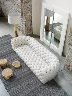 White Sofa Design Ideas & Pictures For Living Room has helped you to make your home more stylist and elegant as you want. White sofas create clean, elegant lines in your room. White Sofa Design, Interior Design, House Interior, Furniture, Home, Interior, Tufted Leather Sofa, Sofa Design, Home Decor