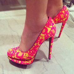 Nicholas Kirkwood Lace Round-Toe Platform Pump ~ perfect not too chunky platform pump in striking color