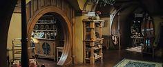 bag end, hobbiton Hobbit Land, Hobbit Hole, The Hobbit, Sustainable Architecture, Contemporary Architecture, Art And Architecture, Tolkien, House Roof, My House