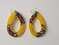 Boucles doreilles tribal massai fait en perles de verre, couleur:jaune Si vous souhaitez acheter plusieurs articles, contactez-moi dabord pour demander une réduction sur les frais denvoi.