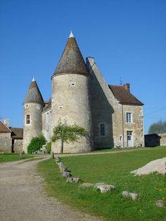 Route de Belleme, Berd'huis | Manoirs du Perche, Normandie | Visiter Normandie & Pays de la Loire