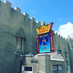When you see a castle you have to stop and investigate...especially when the castle has beer!  #castle #sunday #roadtrip #beer #friends #adventure #food #foodporn #foodgasm #foodstagram #foodpics #foodblogger #foodblog #recipe #faithhopeloveandlucksurvivedespiteawhiskeredaccomplice #vais4bloggers #vafoodie #yum #kings #queens #weekend #funky #lincolnhighway #weirdamerica